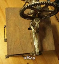 Antique 1917 Patent H230B Dazey Tin Butter Churn St. Louis, MO Nice Condition