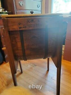 Antique hand crank butter churn, great condition