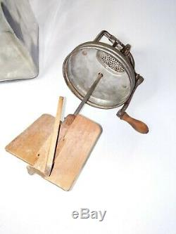 VINTAGE DAZEY NO. 40 BUTTER CHURN With WOOD PADDLES GLASS JAR WORKING MADE IN USA